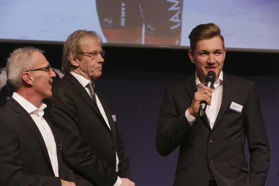 TdF stage winner Heinrich Haussler (r.) is one of the famous faces at IAM Cycling.