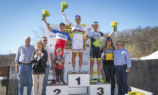Nino Schurter on top of the podium at Monte Tamaro.