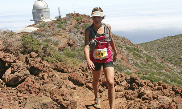 jodee-adams-transvulcania_590x354_Athlete_2014_RUNNING_SCOTT Sports