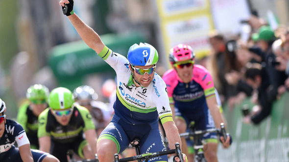 Albasini continues Romandie run with stage two victory