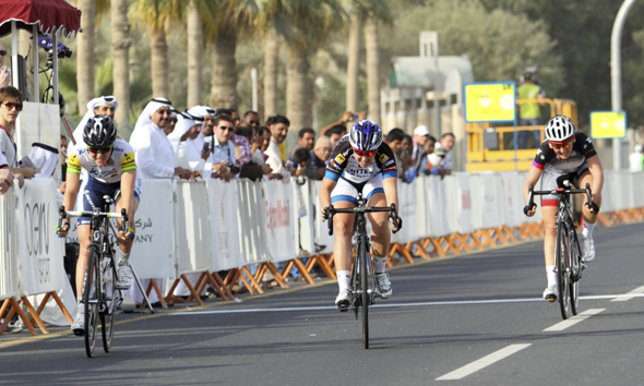 Chloe Hosking Wins Opening Stage at Tour of Qatar