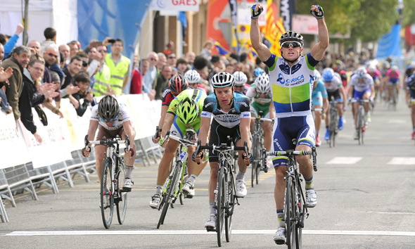 Simon Gerrans Sling Shots to Victory