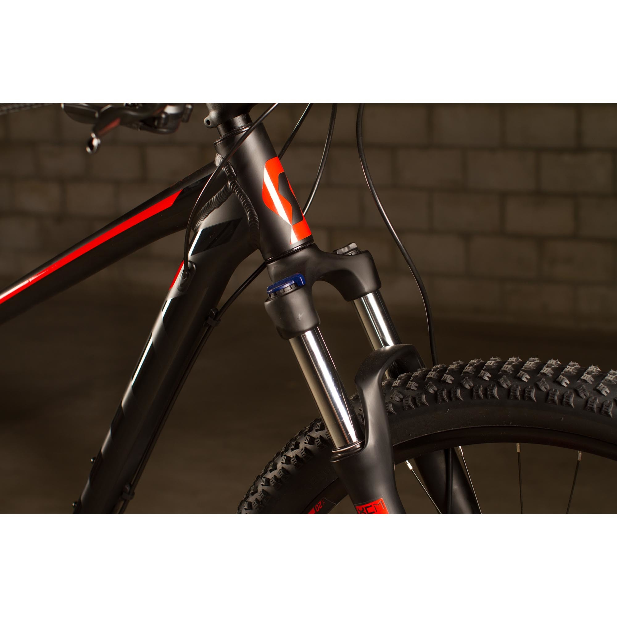 Vélo SCOTT Aspect 740 black/red