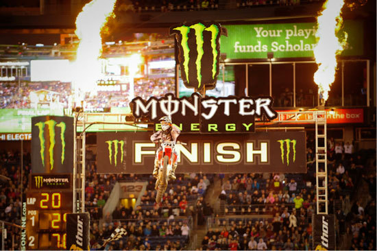 Andrew Short takes first at the Seattle Supercross