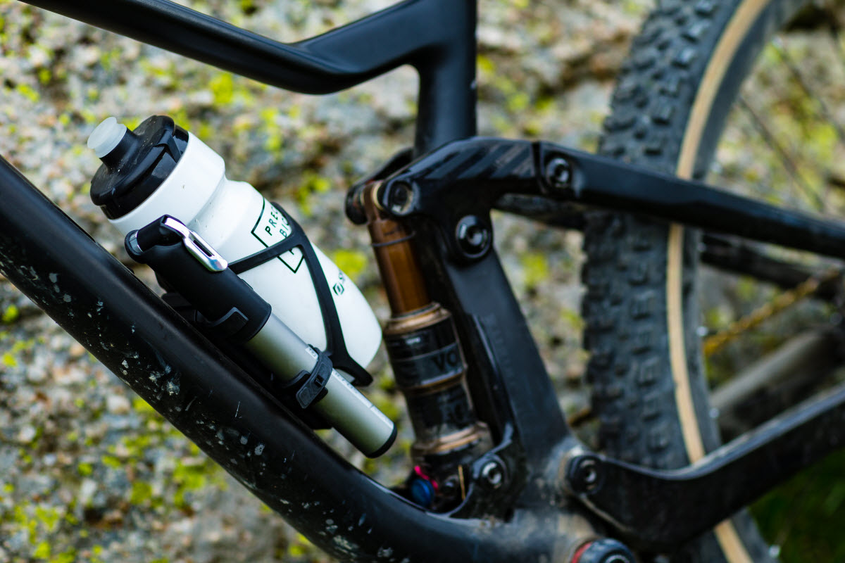 Syncros Matchbox Coupe Cage /& Road Pump HP2.0 Integrated Bottle cage